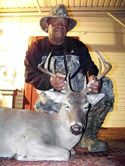 Hunting Trophy Whitetail Bucks in the mason county