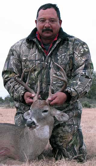 huntin whitetail bucks in the texas hill country